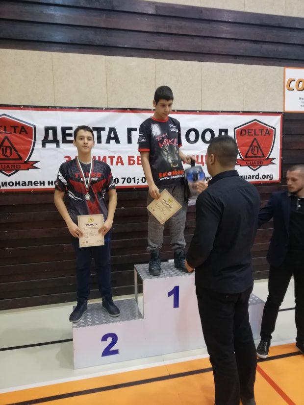 шампионът Виктор Илиев